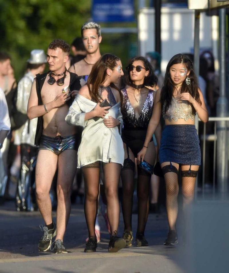Öğrencilerin seks partisi tepki gördü